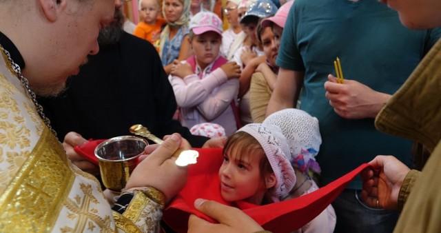 Участниками детской миссионерской литургии стали ребята из летнего лагеря