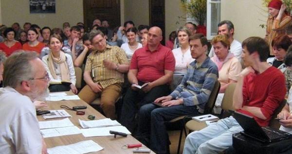 Круглый стол «Ответственность за миссию и катехизацию: проблемы и перспективы»