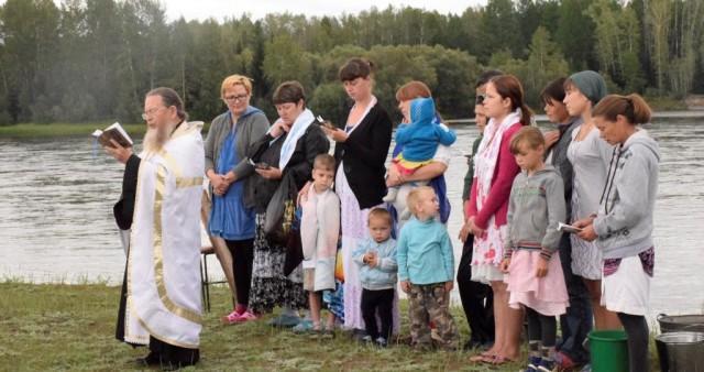 Крещение жителей поселка Бояровка