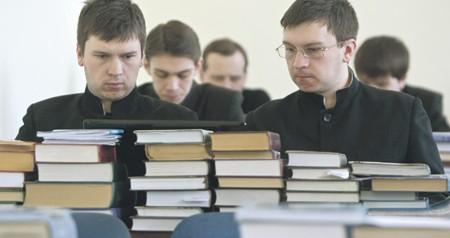 Судьбу послания Церкви неофитам решит суд общественности