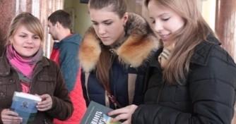 В День православной книги отдел по делам молодёжи и миссионерскому служению Ростовской епархии организовал миссионерскую акцию в ДГТУ