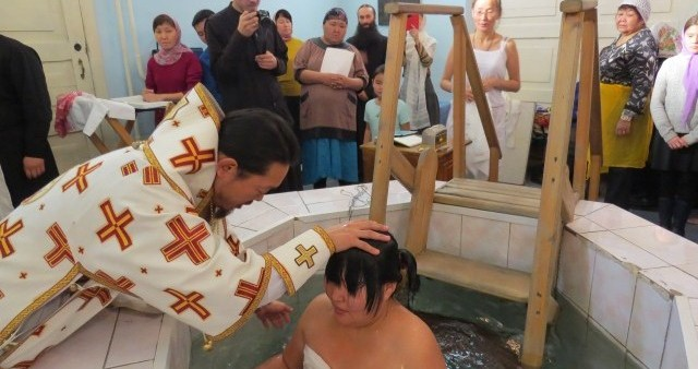 В Кызыле совершена Крещальная Литургия