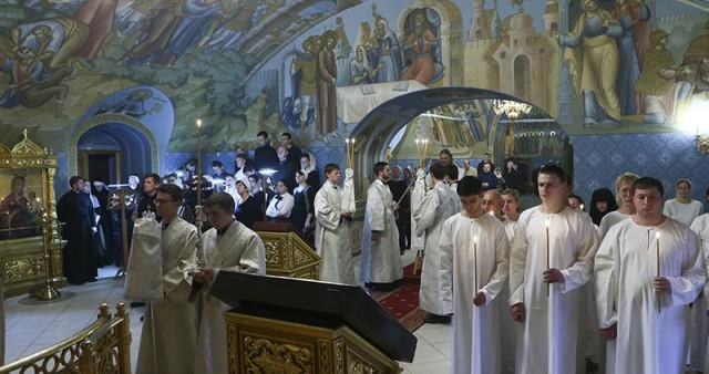 Митрополит Лонгин совершил Крещальную литургию