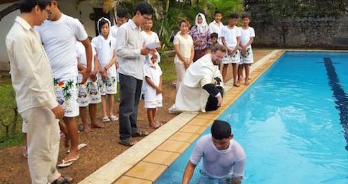 Крещение в Камбодже