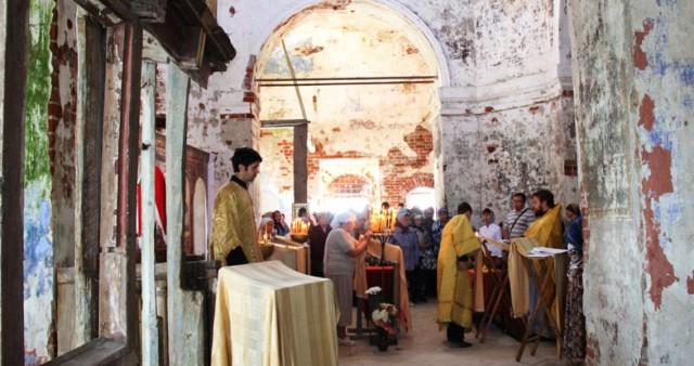 Отслужена вторая миссионерская литургия с участием воспитанников Ярославской духовной семинарии