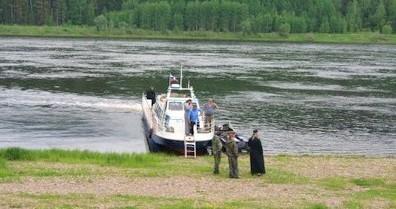 Как и сто лет назад: Епископ Максимилиан посетил труднодоступные приленские деревни