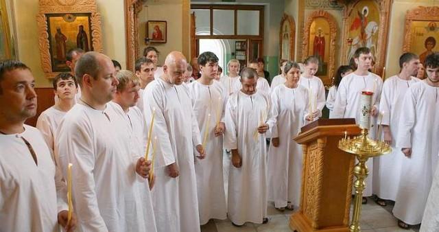 Состоялось крещение групп оглашенных в реке Волге