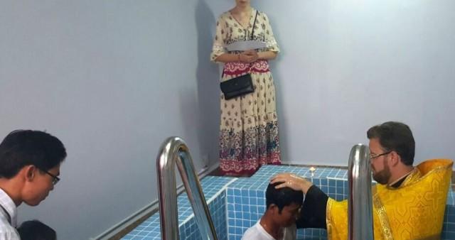Крещение 13 кхмеров в Сиануквильском приходе