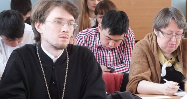 """В Бурятии представлена книга """"Православный катехизис на бурятском языке"""""""