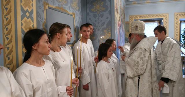 Крещальная литургия в Свято-Троицком кафедральном соборе г. Саратова