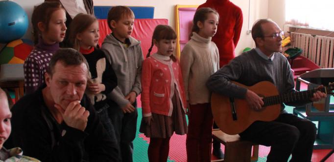Волонтеры вывезли в Павловск ребят из психоневрологического интерната