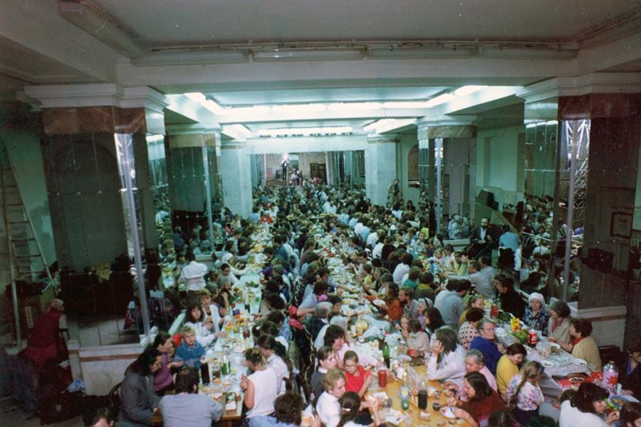 Агапа братства на V Преображенском соборе. Август 1994 года
