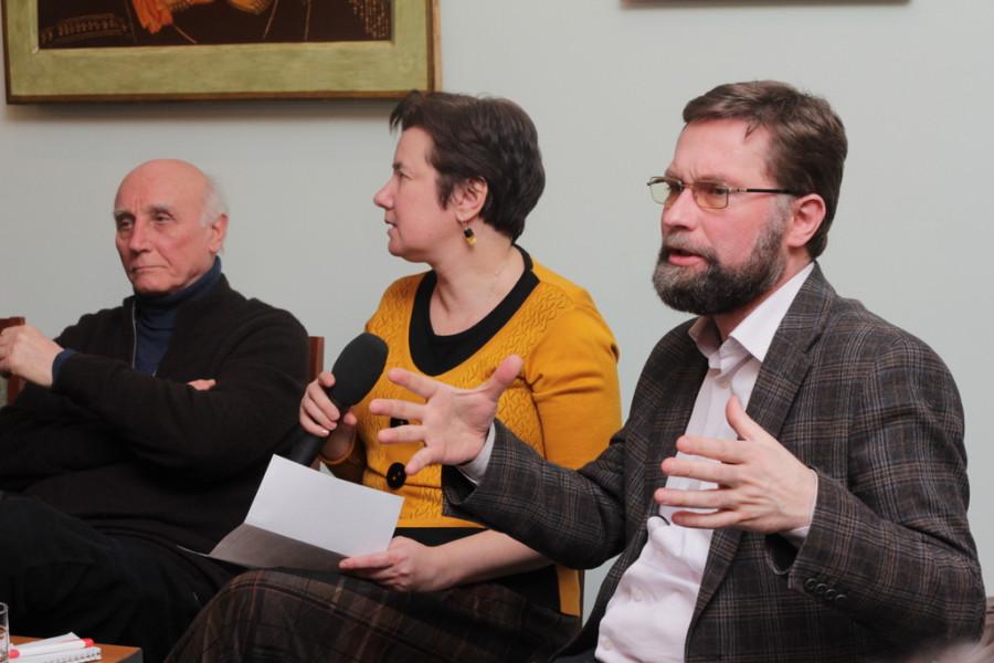 Справа - Дмитрий Гасак