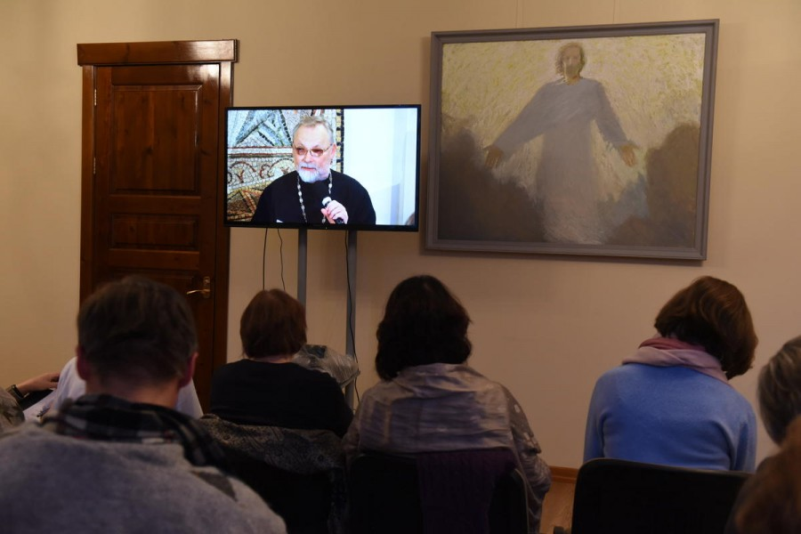 На экране – священник Георгий Кочетков, канд. богословия, проф., ректор СФИ
