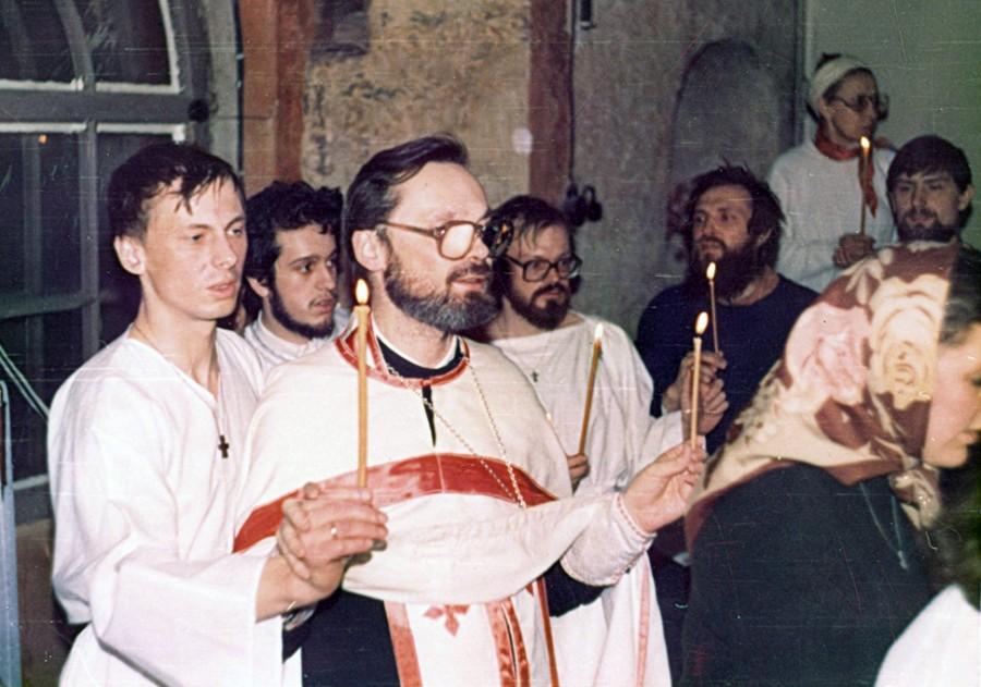 Крещение в соборе Сретения Владимирской иконы Божьей Матери на Пасху 1991 года