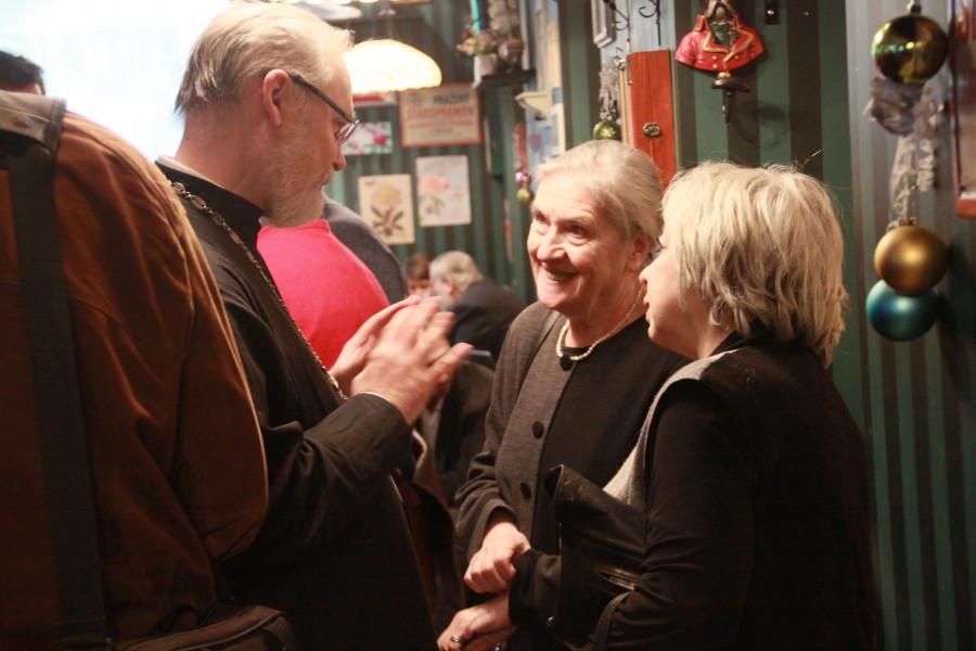 Maria Shmayina (in the centre)