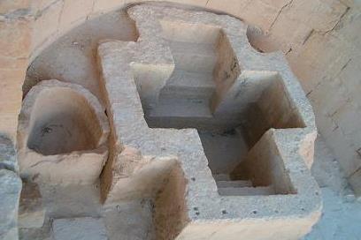 Баптистерий в форме креста, IV век. Шивта, Израиль