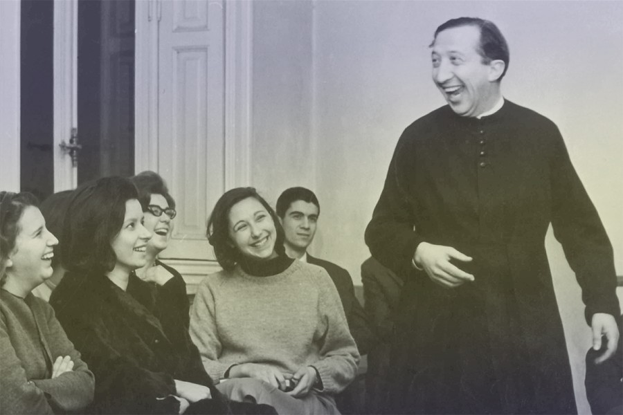 Луиджи Джуссани с членами движения «Общение и освобождение»