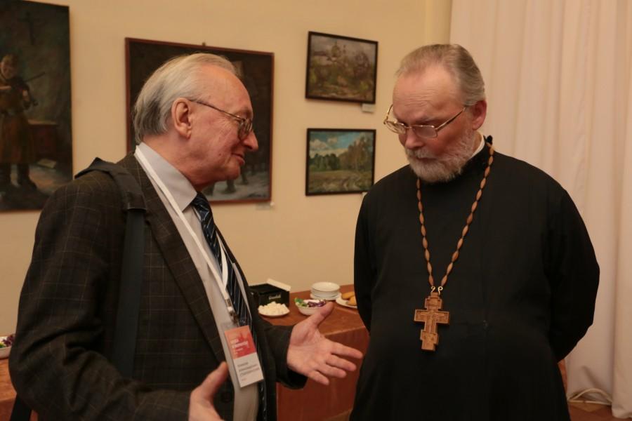 Академик Алексей Старобинский и профессор священник Георгий Кочетков