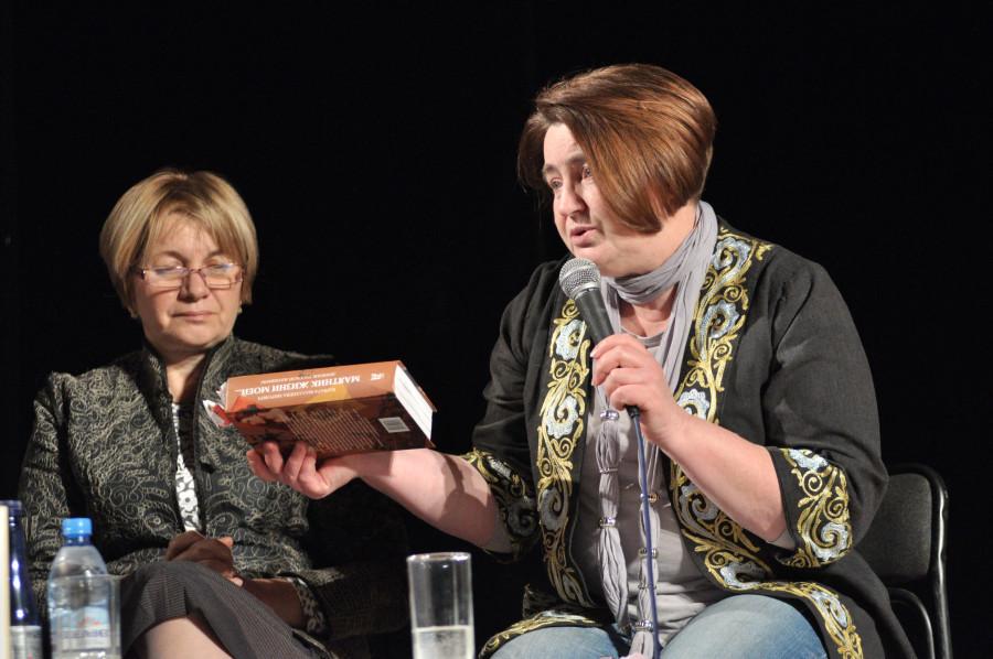 Ольга Борисова и Елена Старостенкова (справа)