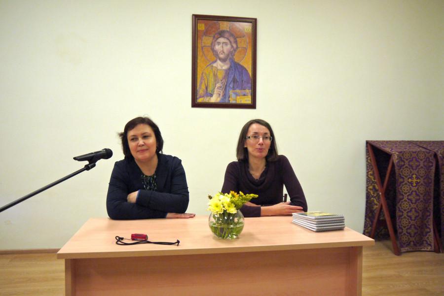 Проректор СФИ Марина Наумова и куратор Просветительских курсов в Петербурге Юлия Антипина