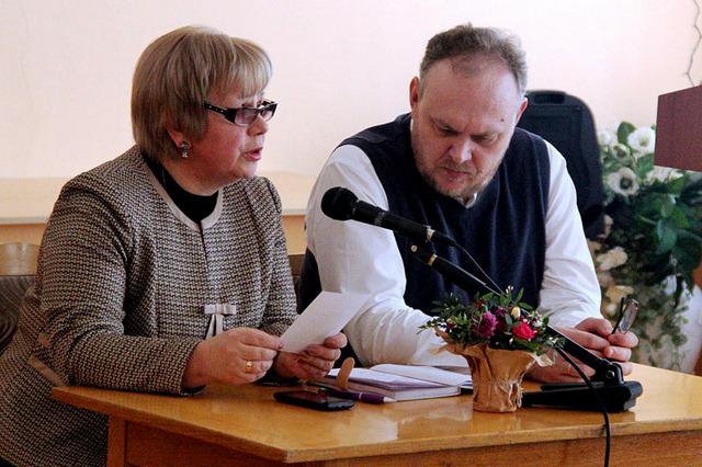 Ведущие вечера Ольга Борисова и Роман Спиридонов