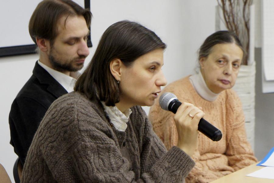 В центре – Ирина Елисеева