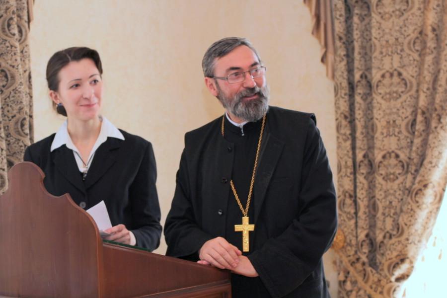 Елена-Алина Патракова, священник Иосиф Тома