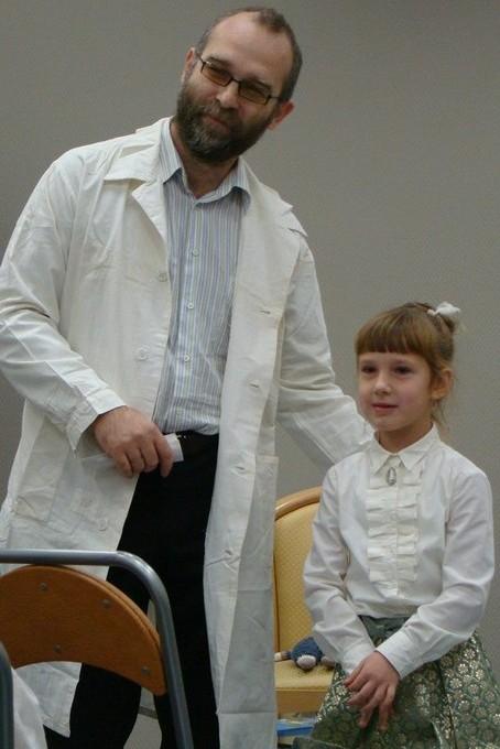 Доктор Авербах (Дмитрий Наханьков) и Катя Наханькова. Стихотворение Сергея Погореловского