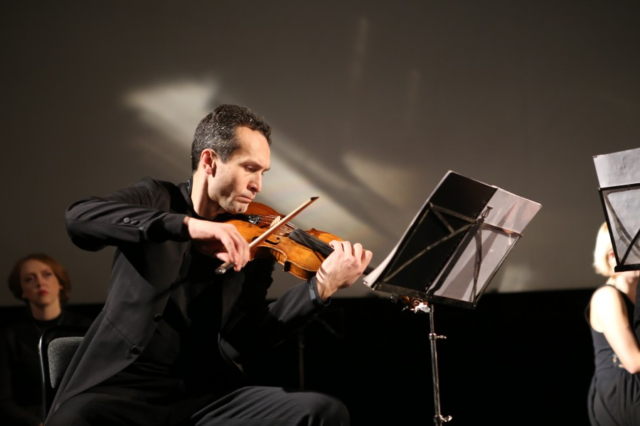 Илья Норштейн (скрипка), лауреат международных конкурсов,  концертмейстер и солист ансамбля «Эрмитаж»
