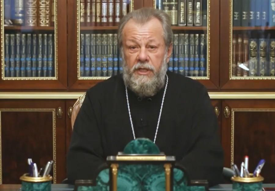 В центре — митрополит Кишинёвский и всея Молдовы Владимир (Кантарян)