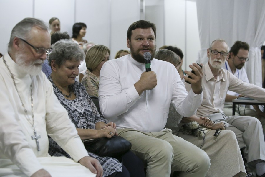 """Fr Georgy Kochetkov; Svetlana Gannushkina, Chairman of the Board of the Civil Assistance Committee, an NGO; Dmitry Aleshkovshy, Founder and Director of the """"Takiye Dela"""" Information Portal; Grigory Gutner, Head of the Philosophy, Humanities and Natural Sciences Department at St. Philaret's Institute"""