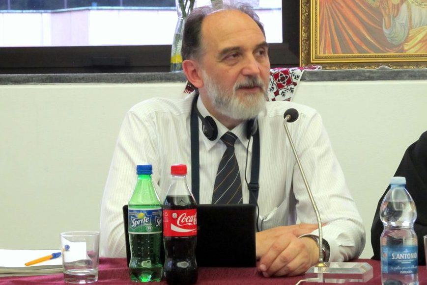 Профессор СФИ Александр Копировский