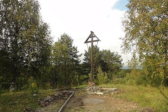 Поклонный крест сщмч Вениамину (Казанскому) в д. Андреевская