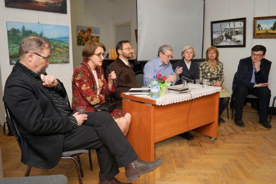 Слева направо: В.Ф. Гладышев, Л.Ю. Мусина, М.И. Зельников, А.М. Калих, О.Н. Антипова, О.В. Сушкова, А.А. Чернышев