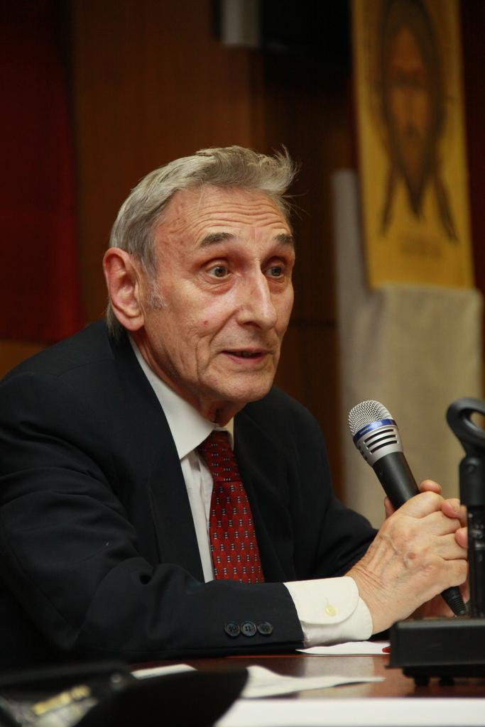 Анатолий Красиков