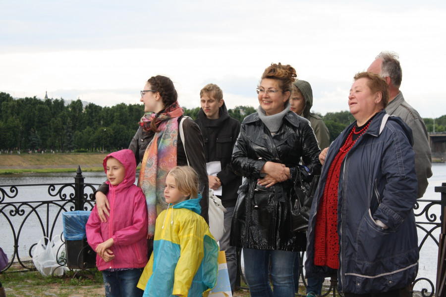 Гости праздника, справа – тверской поэт Татьяна Тюрина