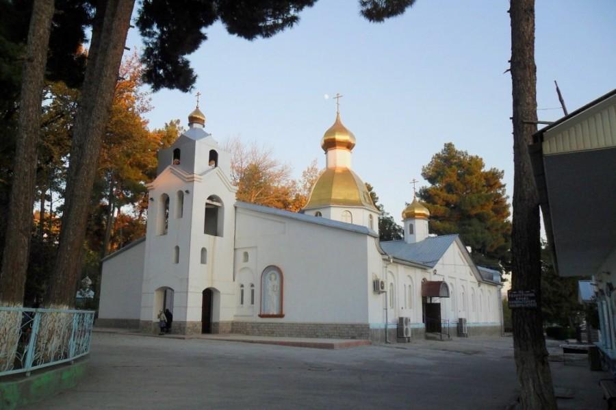 Свято-Никольский собор в Душанбе