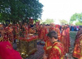 В Гомельской епархии состоялся крестный ход и литургия на месте бывшего Макариевского ...