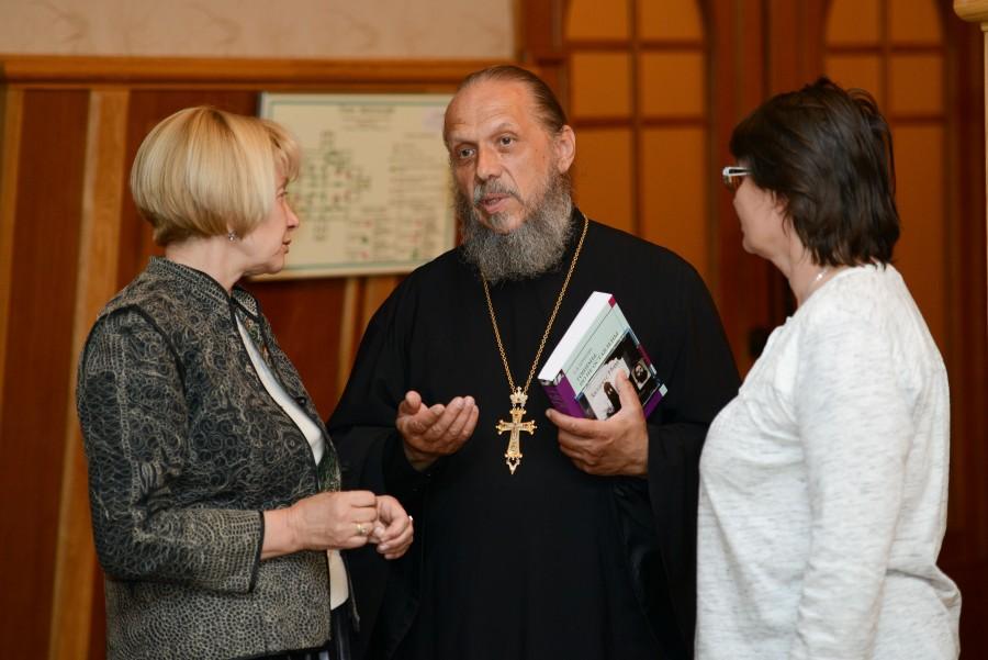 Протоиерей Александр Дубанов с Ольгой Борисовой и Любовью-Лилией Клейменовой