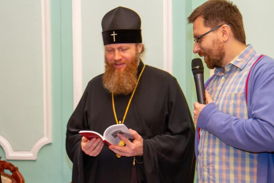 Митрополит Савва и председатель Боголюбского братства Андрей Васенёв