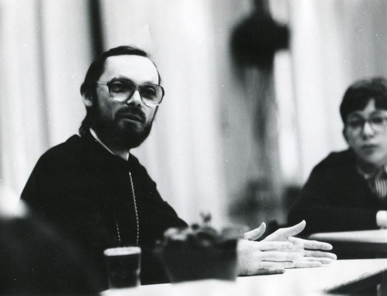 На беседе с учащимися французской школы в Москве. 1989 год