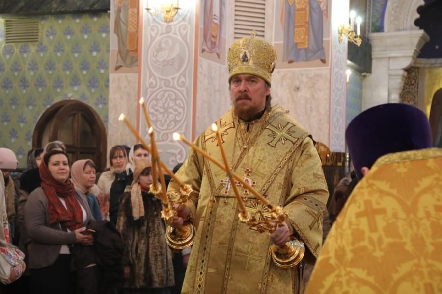 Литургия в Храме на Крови в завершающий день конференции. Предстоит епископ Серовский и Краснотурьинский Алексий