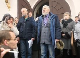 В православной Твери кипят страсти
