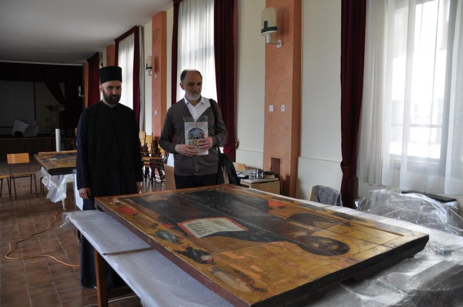 В реставрационной мастерской Церковнославянского музея при Патриархии (Белград)