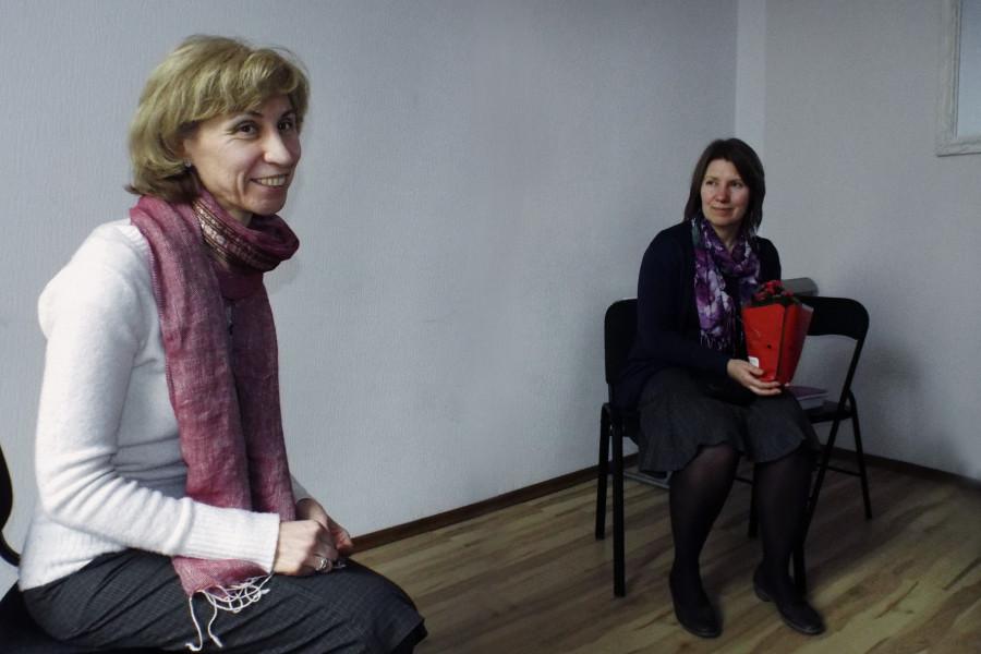 Ведущая встречи Иоанна-Яня Калниня, публикатор книги Ольга Синицына