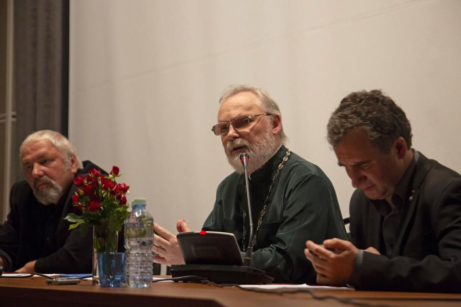Телеведущий Феликс Разумовский, священник Георгий Кочетков, Олег Щербачев