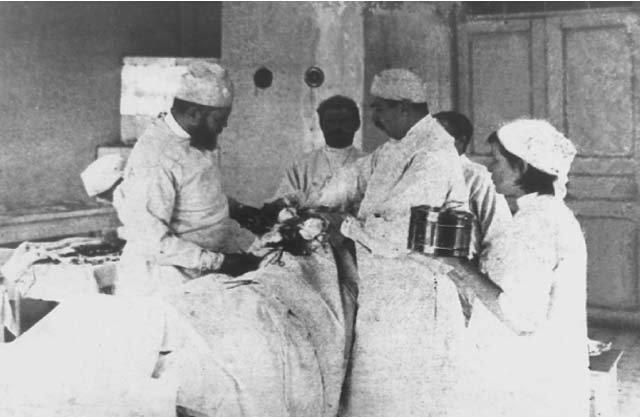 Валентин Войно-Ясенецкий в земской больнице. 1904 г.