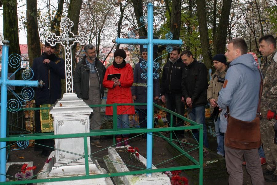 Панихида по жертвам советских репрессий на гомельском кладбище