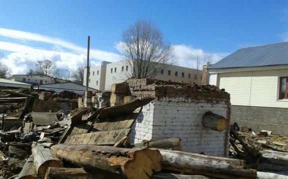 В Вышнем Волочке снесен дом исповедников веры ради мойки для машин
